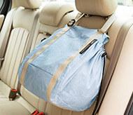 車のヘッドレストに掛けて、荷物の散乱防止!